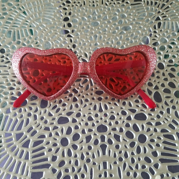 1cfb5c4c3fb dr peepers Accessories -  3 for  10  Heart sunglasses